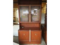 2 Free standing wall units