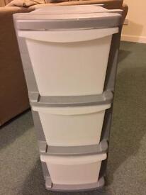 Plastic drawer tower