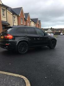 """BMW X5 - fully loaded - TVs - leather - 22"""" alloys"""