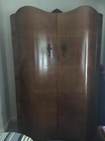 Art Deco serpentine bedroom set