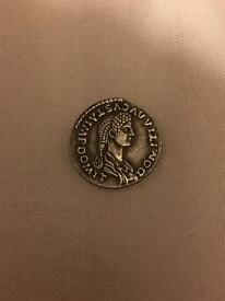 Unknown roman coin in really good condition