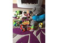 Free kids stuff (gone pending collection)