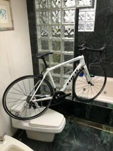 BRAND NEW (SIZE 54cm) TREK ÉMONDA CARBON ROAD BIKE - SHIMANO 105