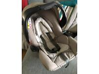 Graco baby Car Seat in beige cream complete with cosy toes and raincover