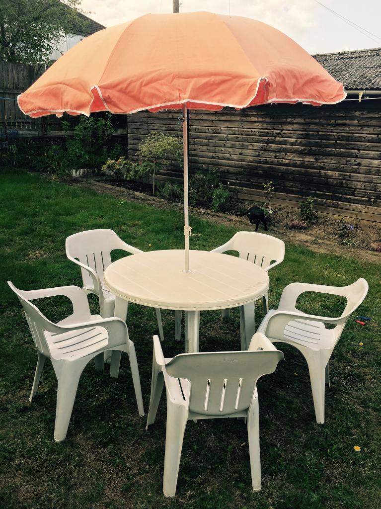 summer garden set white plastic table and chairs - Garden Furniture Glasgow