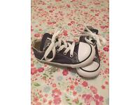 Blue toddler size 8 converse