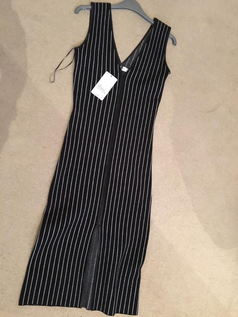 Zara dress, new with tag, size XS & fits 6-10-stunning & sophisticated