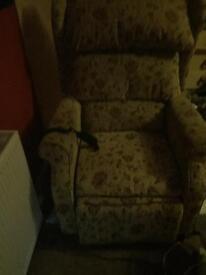 Electric riser/recline chair