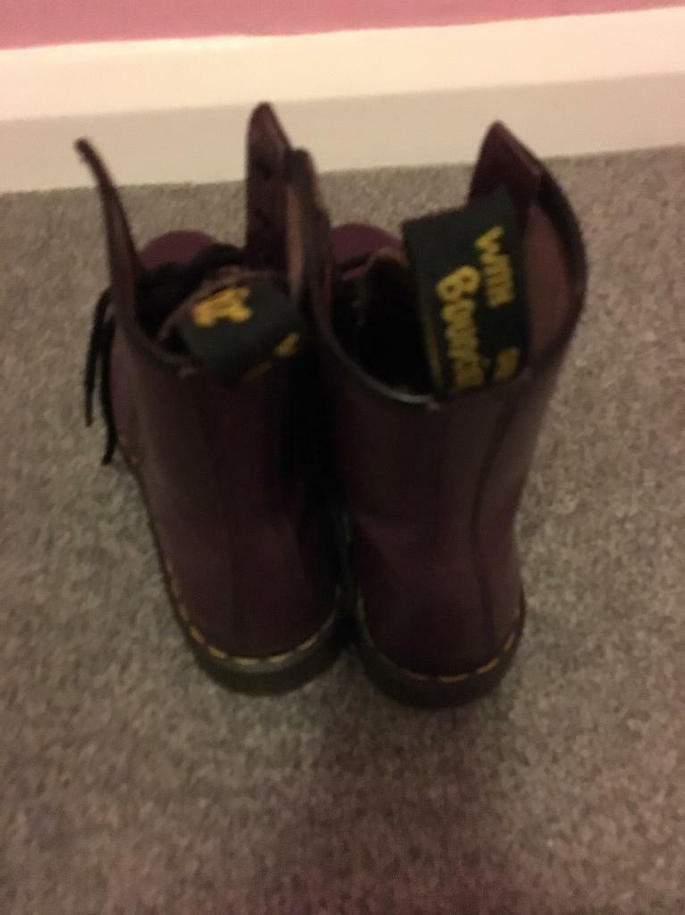 Doc martinsin Denton, ManchesterGumtree - Look brand new worn twice pick up only size 6 good fit