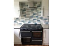 Belling Farmhouse Range Cooker and CDA Curved Glass/SS Chimney Extractor. Excellent Condition.