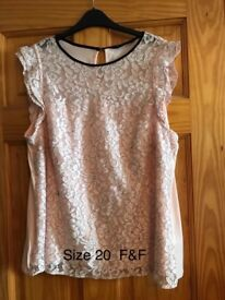 Gorgeous pink top size 20