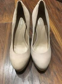 Carvela shoes - size 3