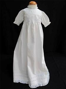 ANTIQUE-VICTORIAN-EMBROIDERED-WHITEWORK-COTTON-LACE-BABY-DRESS-GOWN-c-1890