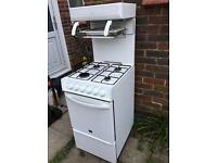 Gas cooker and hob with grill