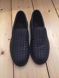 Bottega Veneta Black Leather Woven slip on shoes SIZE 10
