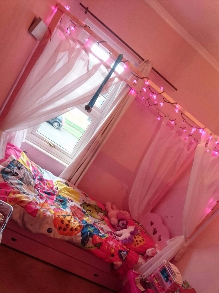Pink 4 Poster Bed Pink 4 Poster Bed  In Northallerton North Yorkshire  Gumtree