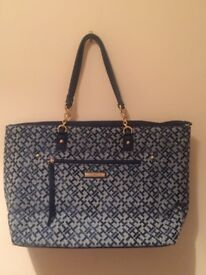 Tommy Hilfiger Woman shoulder bag