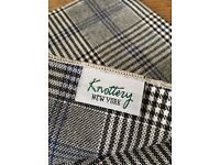 Pocket Square - Knottery, NY