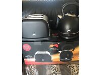 Brand new kettle and toaster set