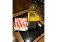 Popcorn maker with cartons