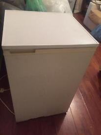 Cheap and cheerful LEC fridge with freezer cheap quick sale 👀!!