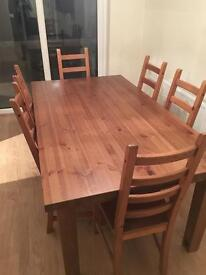 Large dinning room table and chairs (6)