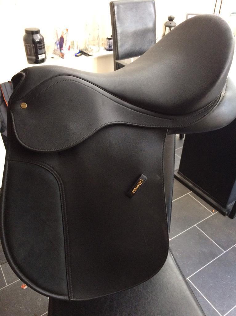 "18"" black Wintec Saddle wide"