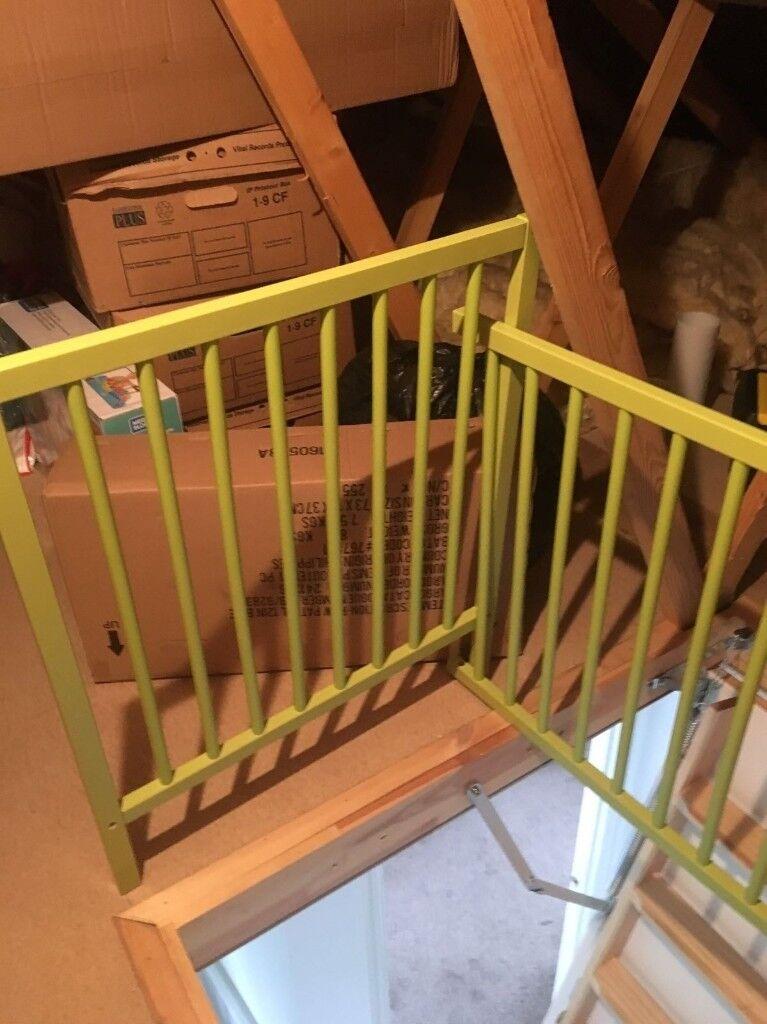 green cot