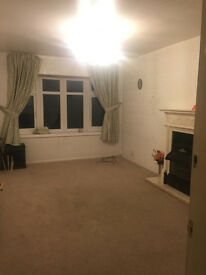*AVAILABLE NOW* 3 bed part-furnished house in Selly Oak - £725PCM! NO DSS