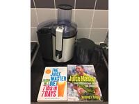 Philips Juicer with juice books and 7 day juice diet.