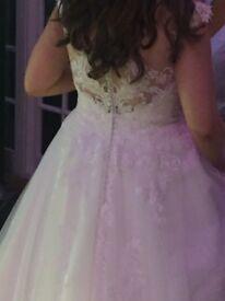 Wedding Dress size 14/16 £250