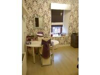 Large Beauty Room available for immediate entry