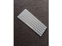 Apple Magic Keyboard - Excellent Condition - works perfectly (no marks or scuffs)