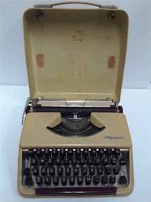 Vintage Olympia Alemania Máquina de Escribir Portátil Burdeos Llaves
