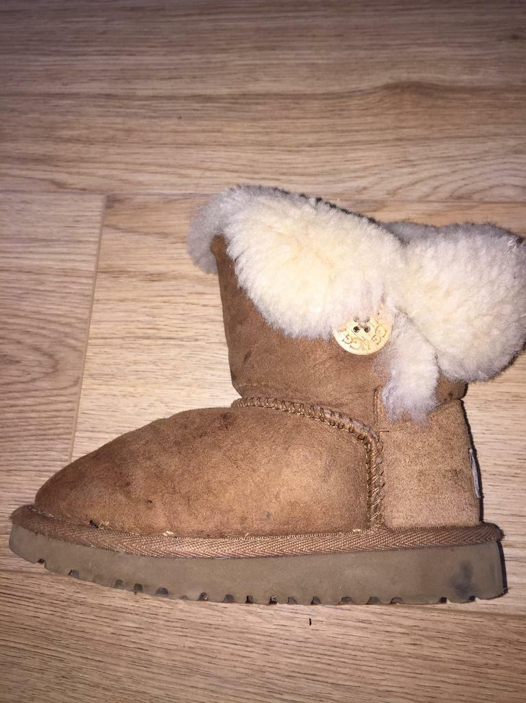 Genuine infant size 8 uggsin Tranent, East LothianGumtree - Genuine infant size 8 ugg boots for sale. Used condition looking for £10 to put in my wee girls piggy bank. Too small for her now slight marks but nothing a washing machine or a slight gentle wash wont sort