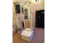 White dressing mirror with drawer