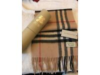 BURBERRY scarf camel NEW