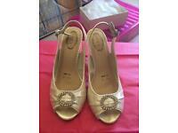 Debenhams debut bridal lace sling back heel - size 5