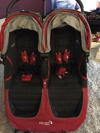 Baby Jogger city mini double in deep red