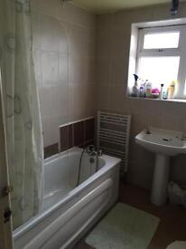 Double room to let in town centre