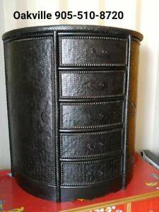 "DRESSER Wood & Wicker Oakville 30""x17""x34""h  Black Chest of Drawers Bombay Company GTA Toronto area Excellent Repainted"