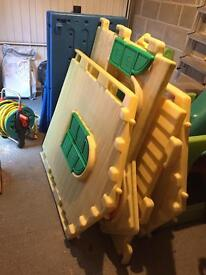 Child's plastic play house