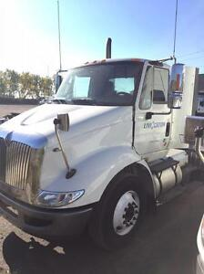 2013 International 8600 4x2, Used Day Cab Tractor