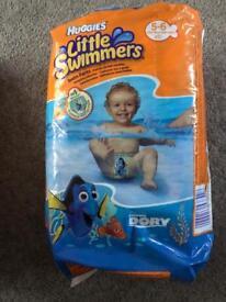 Huggies Swim nappies, 5-6