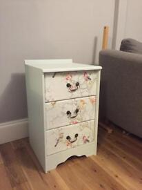 Chest of draws / bedside unit