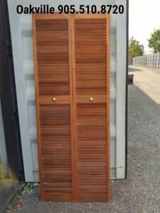 Oakville Louvered Bi-Fold Closet Door Solid Wood Retro