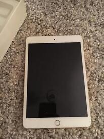 iPad Mini 3 16GB Wifi, Retina display. GOLD