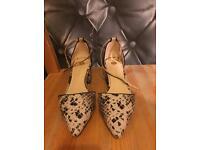 Size 5 block heel shoes river island