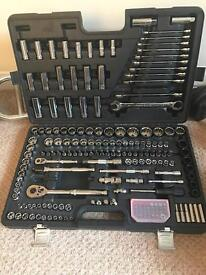 Advanced socket set