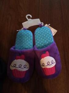 Slippers size 1-2   New with tags